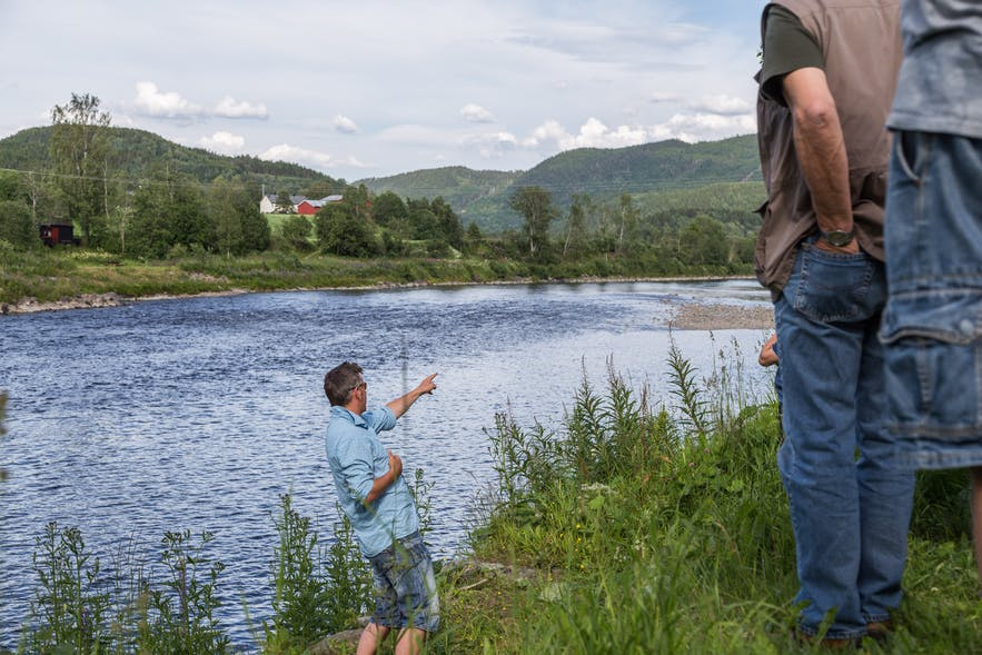 Location scouting with the fishing guide in the river