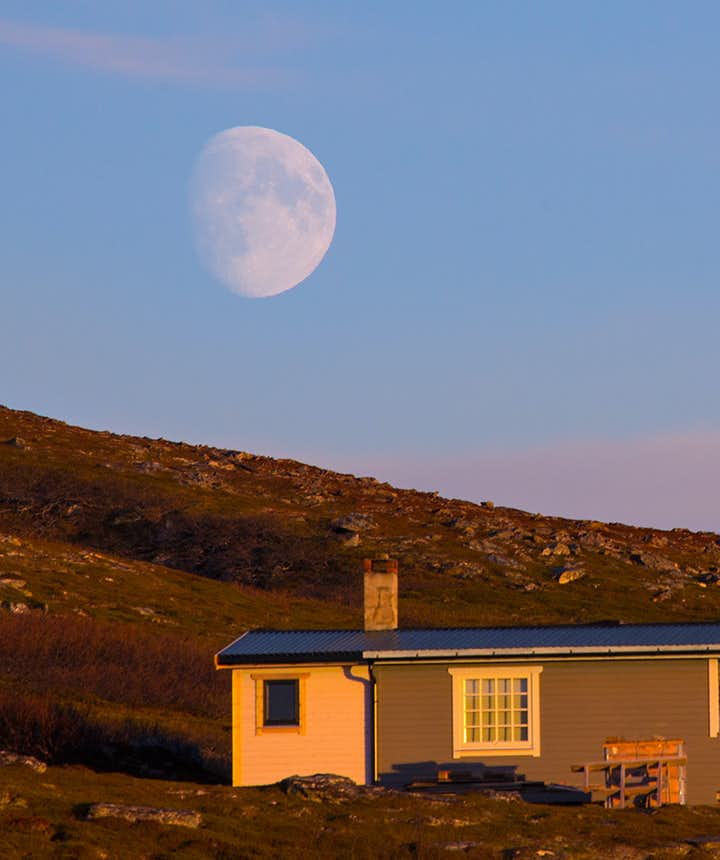 The cabin and the moon