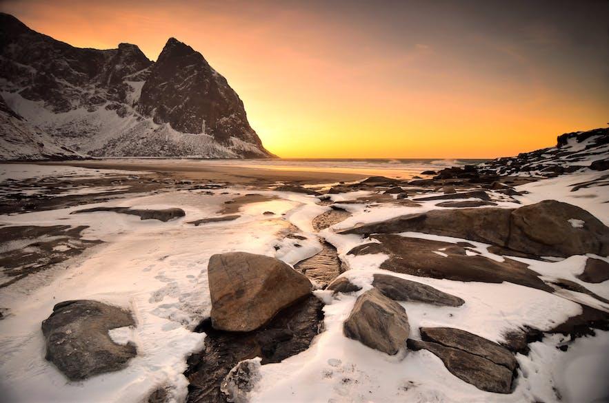 Kvalvika Beach   Hiking in Lofoten Islands