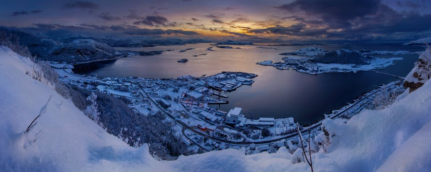 Ålesund Area: Guide to the Islands Vol. 1