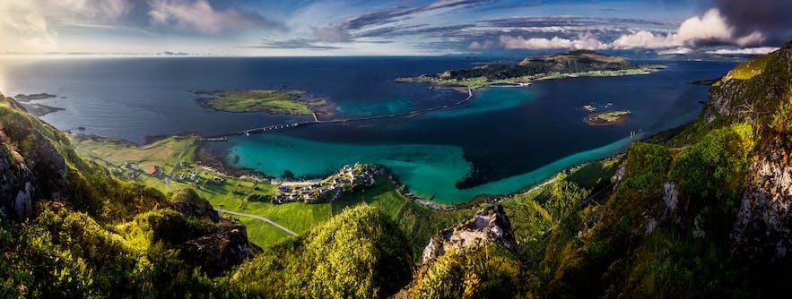 Ålesund Area: Guide to the Islands Vol. 2