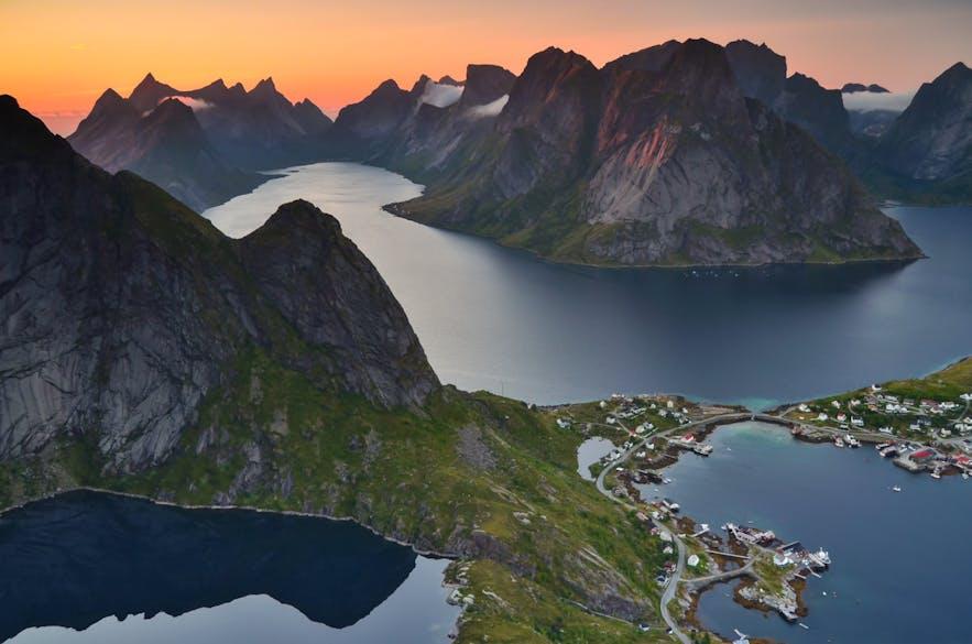 Hiking Reinebringen| Information & Tips