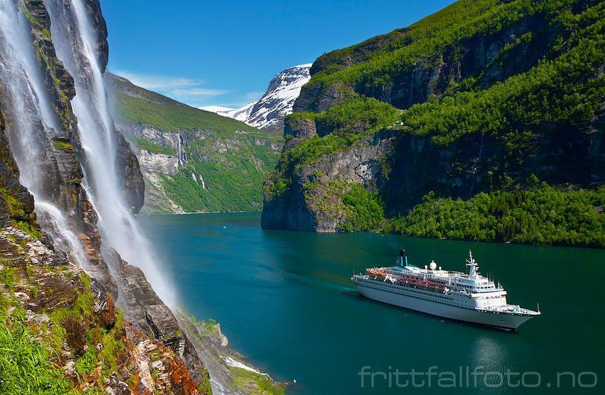 Geirangerfjorden| The Iconic Norwegian Fjord
