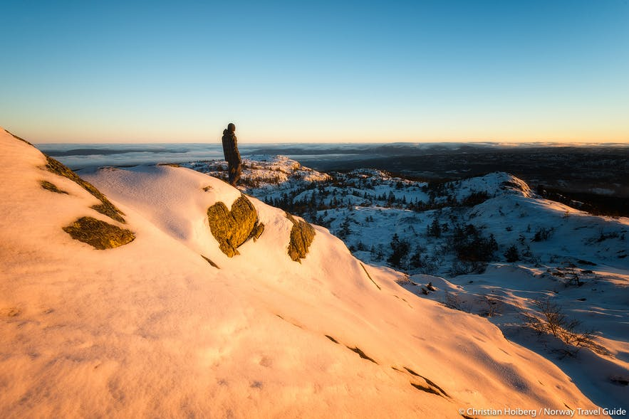 hiking in Norway winter