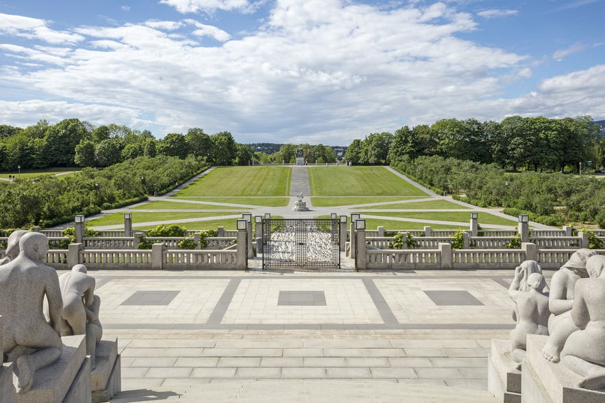 Sightseeing outside Oslo Explore major attractions with