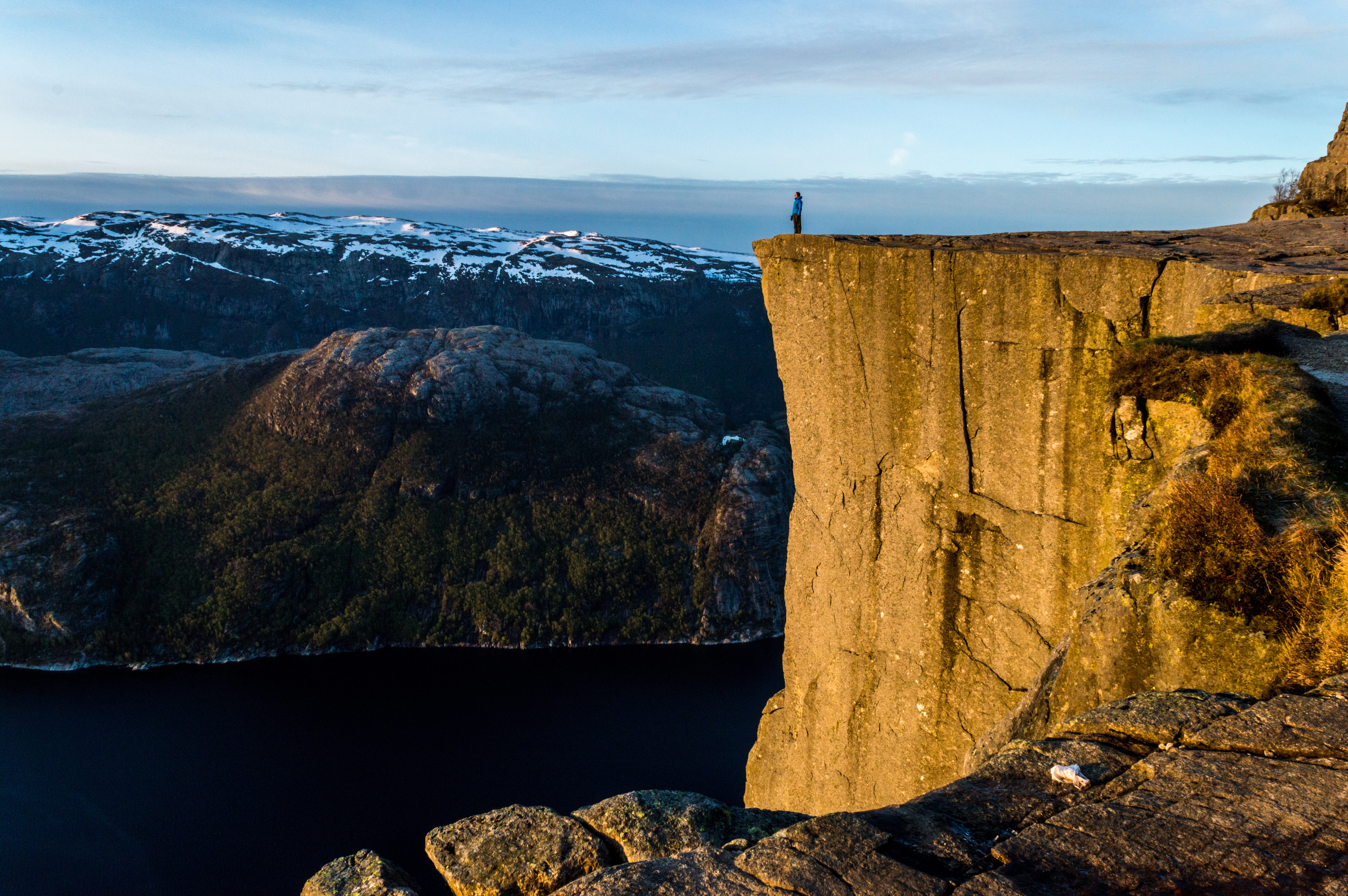 Read this before you go hiking up Preikestolen