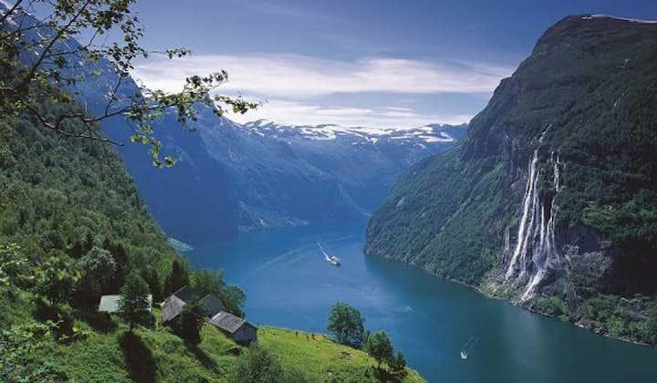 Round trip Åndalsnes - Trollstigen - UNESCO Geirangerfjord | Åndalsnes Bus Tours
