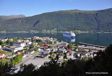 Round Trip Andalsnes to Molde   Åndalsnes Bus Tour