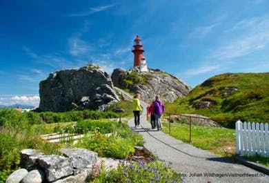 Round Trip to Finnøy & Ona Lighthouse | Alesund Tours
