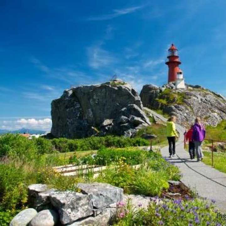 Round Trip to Finnøy & Ona Lighthouse   Alesund Tours