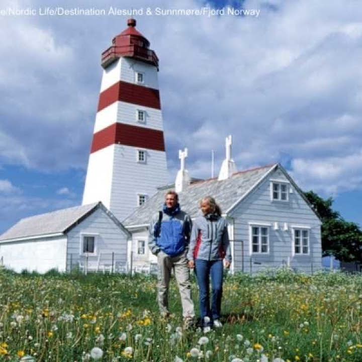 Round Trip to Godøy & Alnes Lighthouse | Alesund Tours