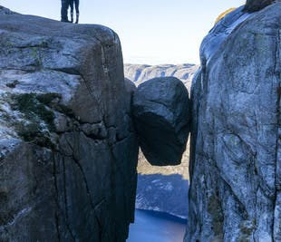 Kjerag Autumn Guided Hiking Tour with Lysefjord Views