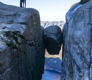 Kjerag Autumn Guided Hiking Tour with Lysefjord Views